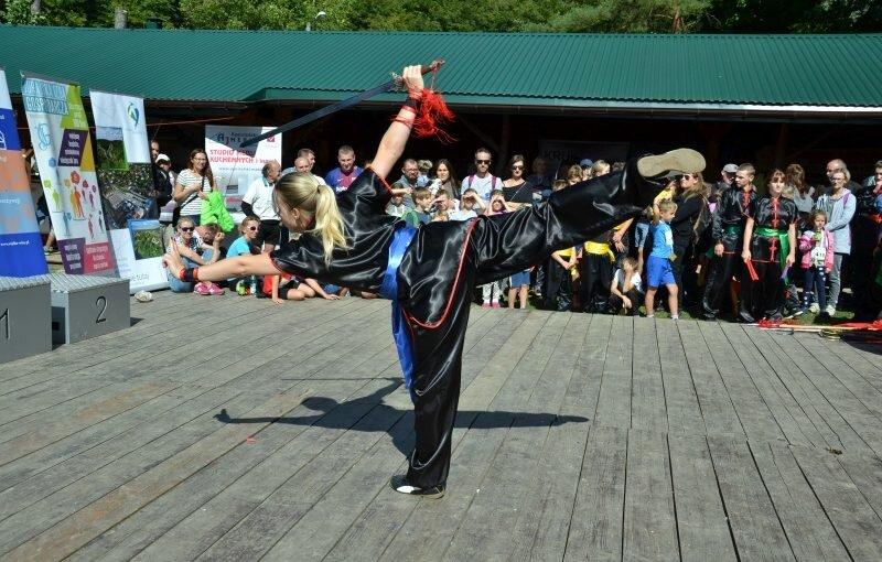 DSC 3446 800x510 - Pokaz kungfu w trakcie Ekobiegu Po Dolinie